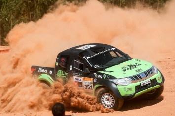 A primeira etapa do Rally dos Sertões terá 306 km rumo a Goianésia, GO (Marcelo Machado/Fotop)