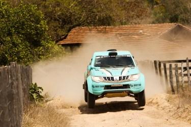 Dupla Fontoura/Minae durante a 3a etapa (Sanderson Pereira/ PhotoEsporte)