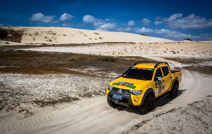 Duplas do Mitsubishi Motorsports invadiram Fortaleza. Foto: Tom Papp / Mitsubishi