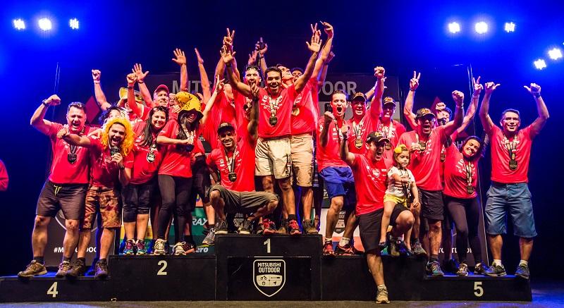 No final da etapa, os melhores de cada categoria sobem ao pódio. Foto: Tom Papp / Mitsubishi