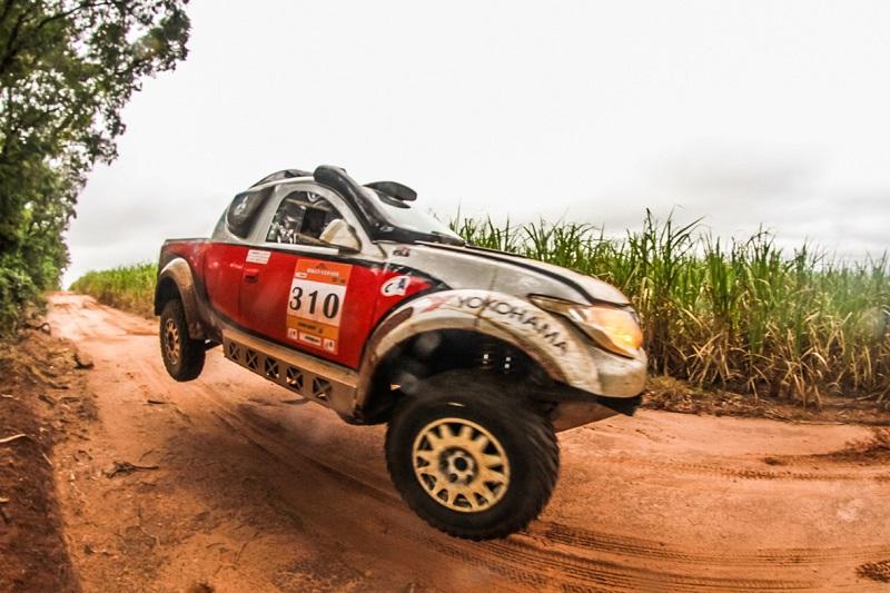 Equipe no Rally Rota SC, em julho, quando foi Campeã na geral. Foto: Sanderson Pereira/ PhotoEsporte