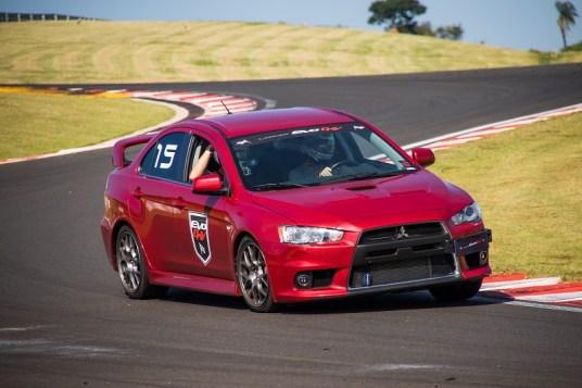 Proprietários irão experimentar os carros no autódromo. Foto: Cadu Rolim / Mitsubishi