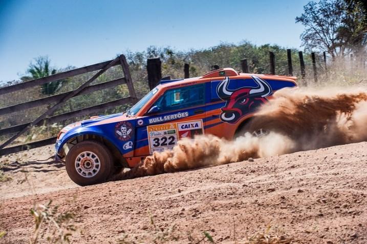 A bordo do T-Rex, piloto faturou o Rally dos Sertões e o Campeonato Brasileiro (Doni Castilho)