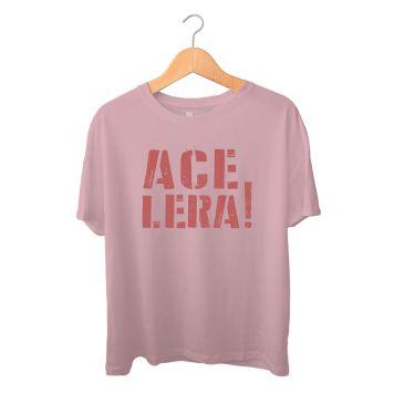 Produto_Camiseta_Q08_Acelera_BordoEstonada