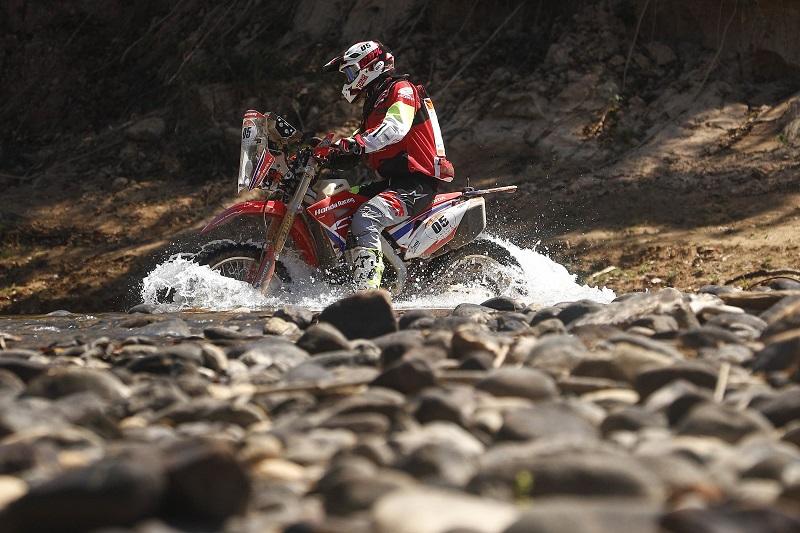 Tunico Maciel venceu a primeira especial nas motos (Marcelo Machado de Melo/Fotop/Vipcomm)