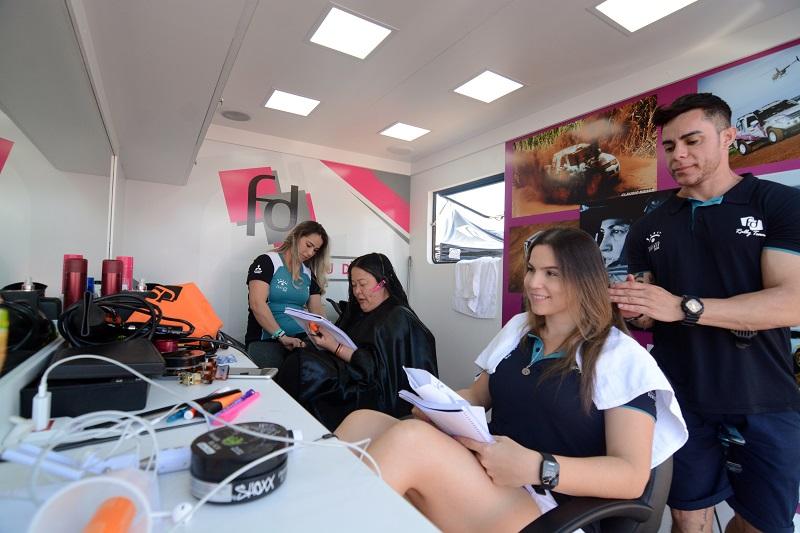 FD Studio, um salão de beleza móvel para atender as competidoras do grid (Michael Oliveira/Clicksports.3)