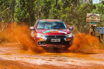 Participantes vão encarar trechos off-road pela Serra da Mantiqueira no sábado. Foto: Cadu Rolim/Mitsubishi