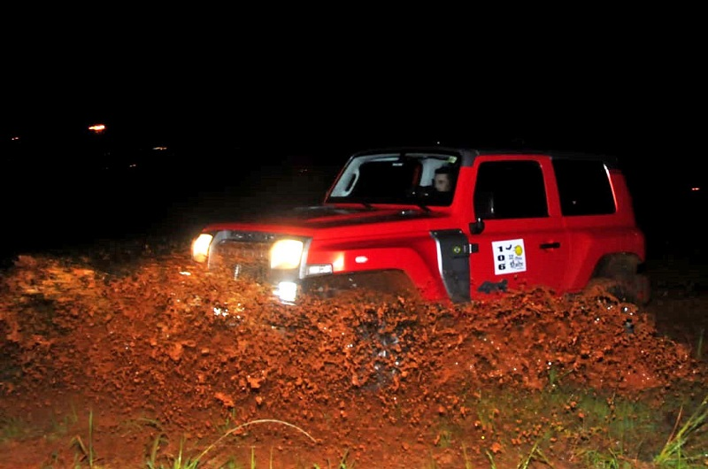 Rally PR encerra temporada com muita chuva e barro no 33º Rally da Meia-Noite
