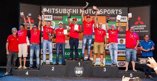 Pódio do campeonato da Master (Foto: Tom Papp / Mitsubishi)