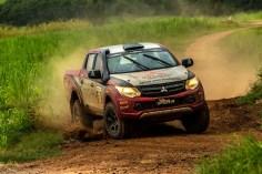 Rali cross-country de velocidade é tradicional (Foto: Ricardo Leizer/Mitsubishi)