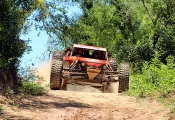 Equipe disputa a segunda prova no Paraguai com o Buggy V8 (Foto: JJ Lopez/Puromotorpy)