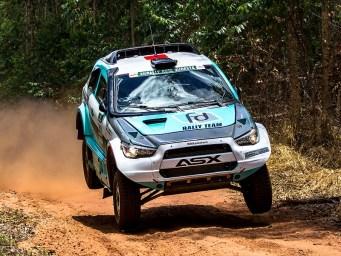 Neste sábado, Fontoura pilotará pela segunda vez o ASX Racing (Virgílio Cruz/PhotoAction)