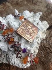 Collier en cuivre patiné, chaîne de cuivre avec chips d'ambre, d'améthyste et de jade