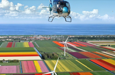 Helicopter flight Amsterdam keukenhof flower fields