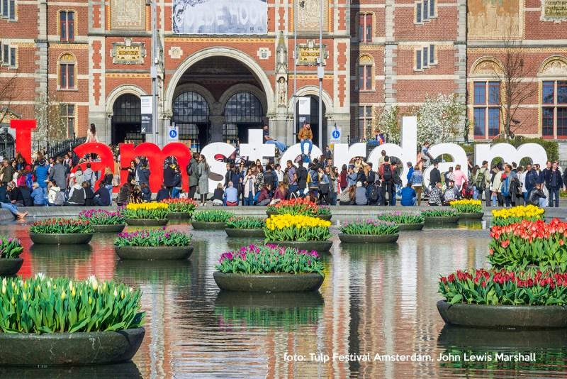 Tulp Festival Amsterdam_Museumplein_John Lewis Marshallkopie