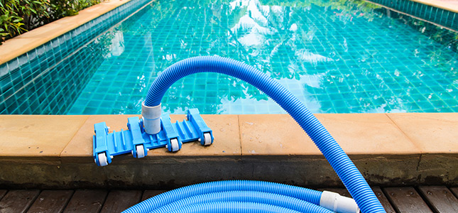 Cleaning of swimming pools in Ajman