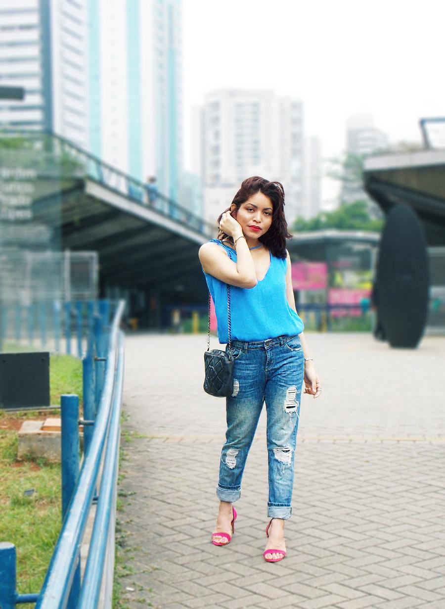 magenta_heels__blue_top