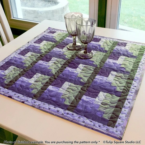 Log Cabin Corners Quilted Table Topper-tulip-square-quilt-patterns