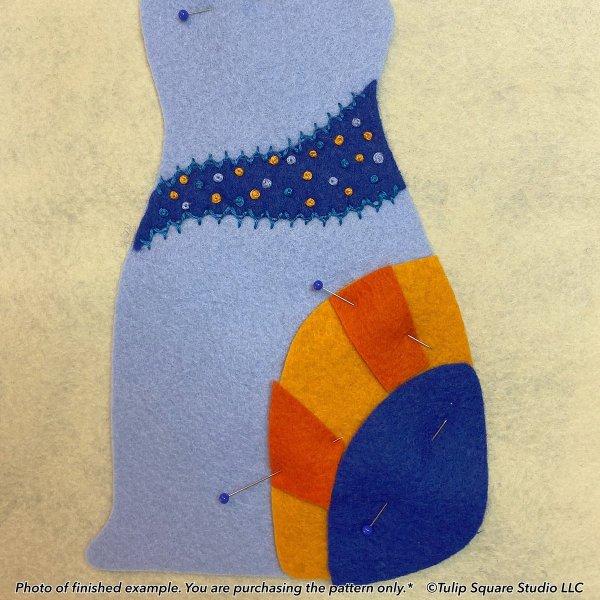 Aloof Blue Cat Felt Appliqué Pattern Detail