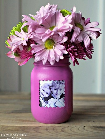 8 Creative Ways to Displaying Photos in a Jar