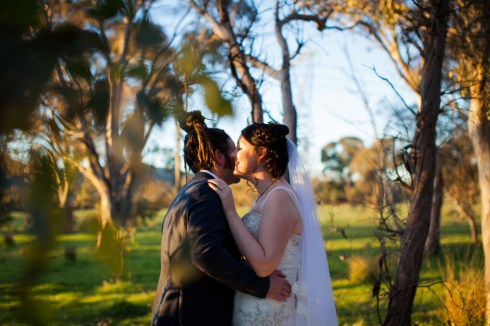 bride-and-groom-talking-photograph