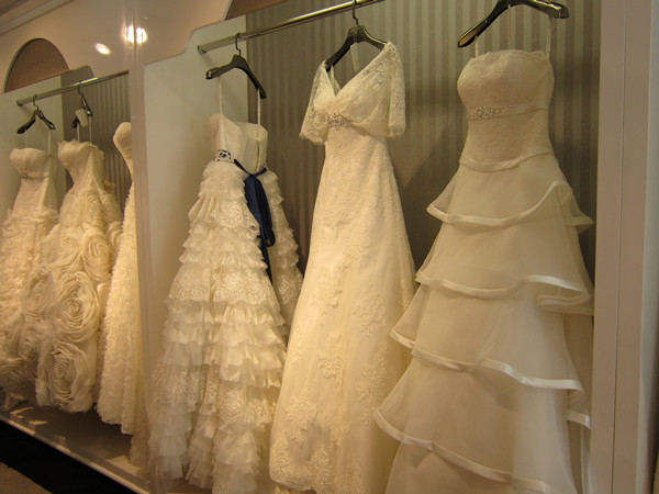 Bridal Guide To Popular Wedding Dress Fabrics
