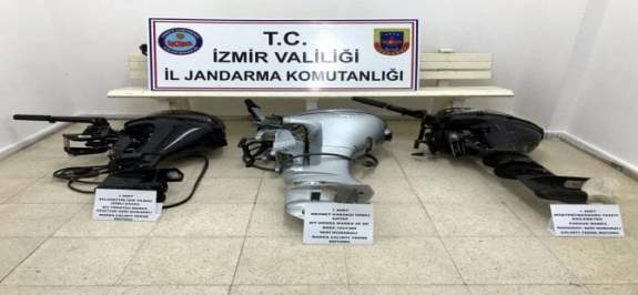 İzmir'de Tekne Motoru Hırsızlığı Yapan 4 Şüpheli Tutuklandı