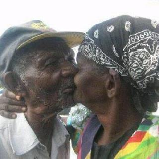 PICTURE:True Love Never Die!!!