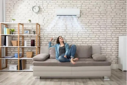 do air conditioners take in air from outside?