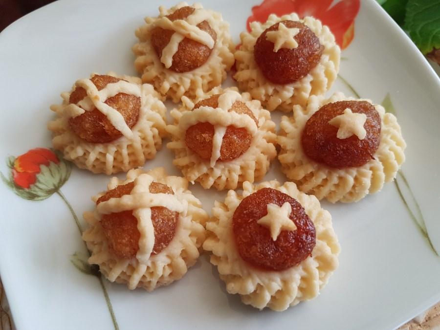 Pineapple Tarts - Tastes Divine