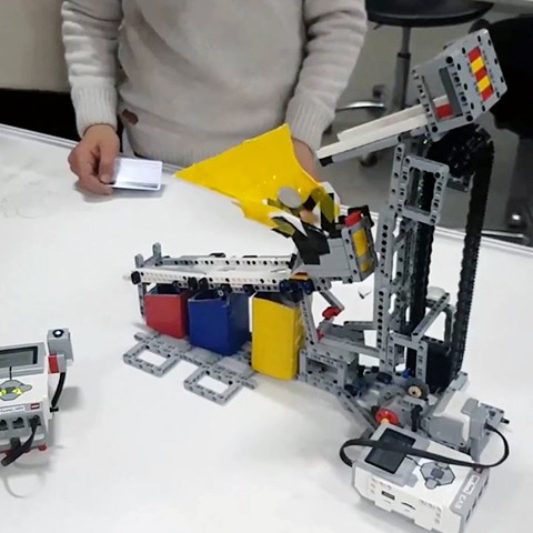 Change-Sorting Robot