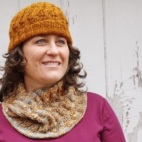 Quick, Easy and Fun Knitted Hat/Cowl Set
