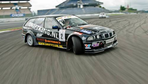 small resolution of bmw e36 touring drifting 1
