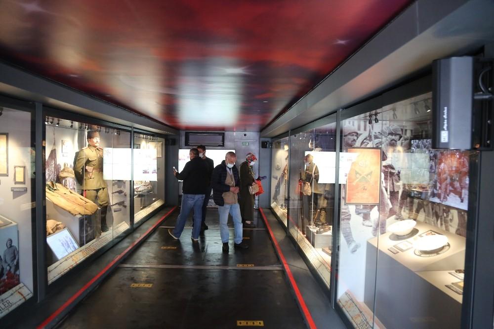 Çanakkale Savaşları Mobil Müzesi'nin durağı Tunceli oldu