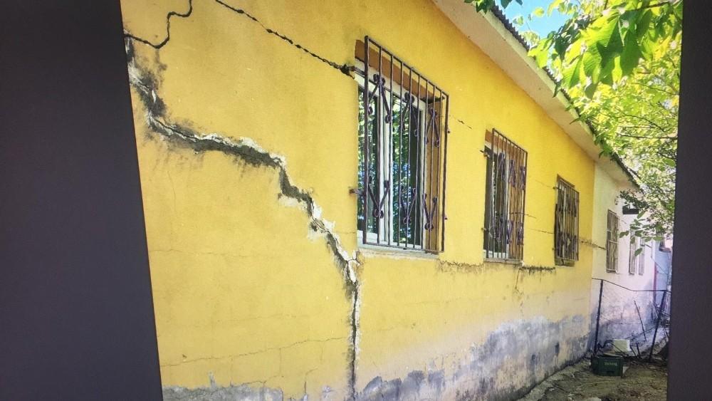 """Tunceli Valiliği:""""Ağır hasarlı yapıların yıkımına başlanacak"""""""