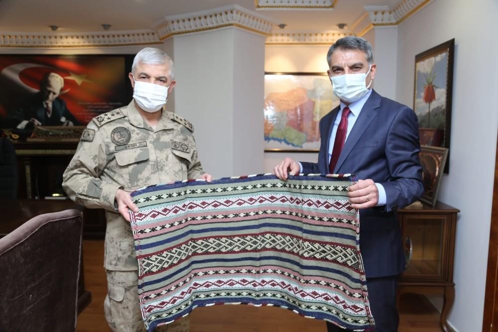 Bakan Yardımcısı Ersoy ve Jandarma Komutanı Çetin'den Tunceli'ye ziyaret