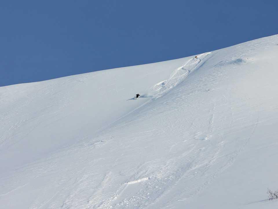 backcountry-skiing-02