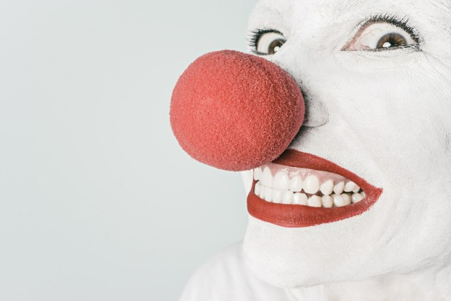 tuned-in-parents-phobias-coulrophobia-clown