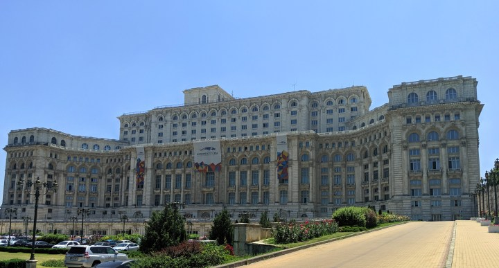 tunes&wings_bucharest_travelguide_Palaceofparliament