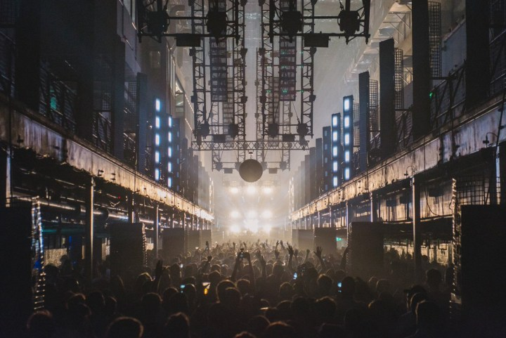 London_tunes&wings_techno_club_travel_Printworks