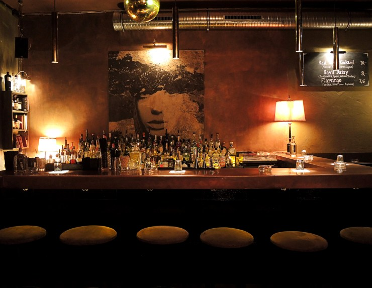 Melody-Nelson-Bar_Berlin-Food-Guide-by-Cle_tunes&wings