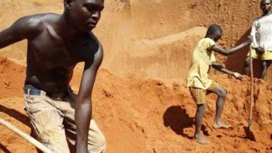 Photo of صفاقس: وفاة عامل افريقي بسبب الاجهاد والاستغلال المفرط والاحتجاز في مكان العمل.