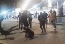 Photo of ليلة رعب في حي ابن خلدون : معركة بين تجار مخدرات بسيوف وسكاكين واقتلاع عين أحدهم !
