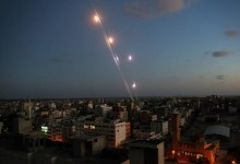 "Photo of المقاومة في غزة تقصف ""تل أبيب"""