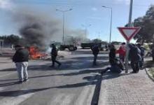 Photo of سوسة: حرق المعلقات الاشهارية لمترشحين للرئاسية من قبل محتجين