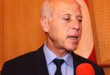 Photo of انتخابات تونس.. أول تعليق من المرشح قيس سعيد بعد تقدمه