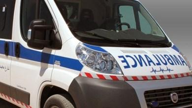 Photo of خرقوا حظر التجول: جلسة خمرية لـ3 أشخاص في سيارة إسعاف خاصة