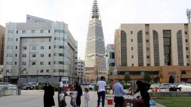 Photo of كورونا : السعودية تسجل أول وفاة وارتفاع الإصابات لـ767