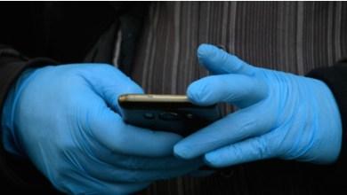 Photo of منظمة الصحة العالمية تحذر من القفازات ..
