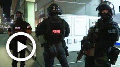 Photo of أولى لقطات الهجوم المسلح في العاصمة النمساوية فيانا (فيديو)